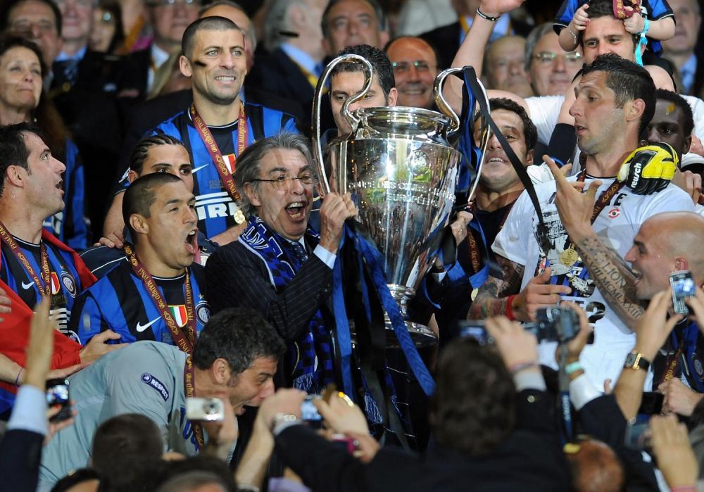 Champions League 2009/2010 Finale Madrid (Santiago Bernabeu) - 22.05.2010 FC Bayern Monaco- FC Inter Nella Foto:MORATTI MASSIMO CON LA COPPA /Ph.Vitez-Ag. Aldo Liverani