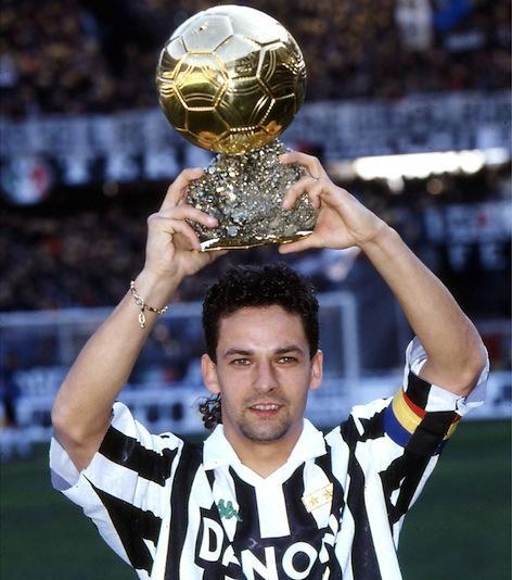 Roby Baggio alza il Pallone d'Oro