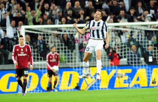 Del Piero esulta dopo un gol al Milan    Citazione obbligatoria (TM NEWS  - INFOPHOTO)